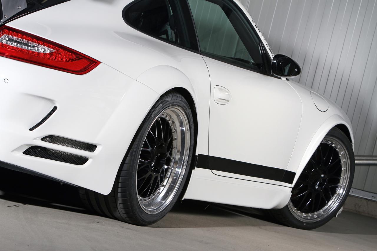 Porsche-911-997-by-Ingo-Noak-Tuning-4